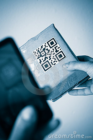 Free Scan With Smartphone Of Qr Code Stock Photos - 19521143