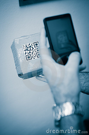 Free Scan With Smartphone Of Qr Code Royalty Free Stock Photo - 19521195