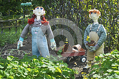 Scarecrows and Wagon