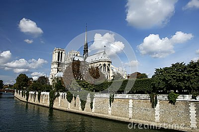 Scene  of Notre Dame de Paris and the Seine