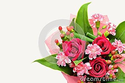 sch ner blumenstrau der rosen und der gartennelken lizenzfreies stockbild bild 26264716. Black Bedroom Furniture Sets. Home Design Ideas
