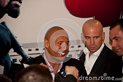 Schauspieler Dwayne (der Felsen) Johnson in Moskau Redaktionelles Foto