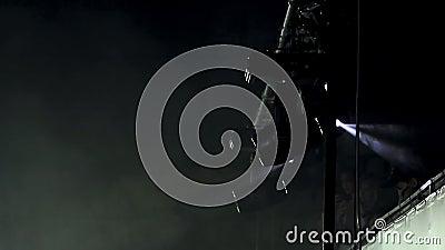 Scheinwerfer auf Stufe Laibungen stock video footage
