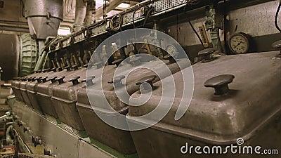 Schependieselmotor, de Genade van Afrika stock video