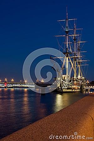 Schip in Heilige Petersburg
