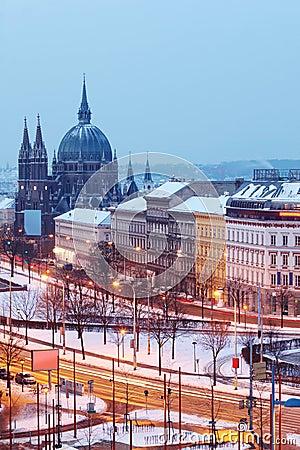 Schöne Kirche der Maria-Belagerung am Europa-Quadrat