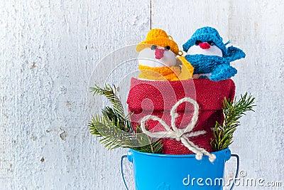 Schneemannbrett hölzernes Weihnachtswinter-Plüschduo