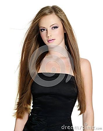 Schönes jugendlich Mädchen mit dem langen geraden Haar