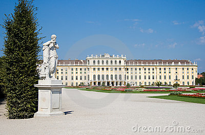 Schoenbrunn Palace in Vienna with a statue