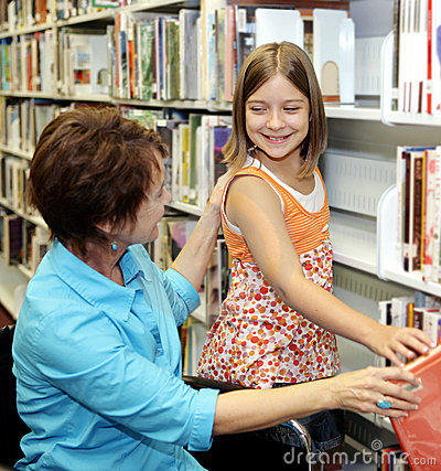 Free School Library - Choosing Book Royalty Free Stock Image - 2841766