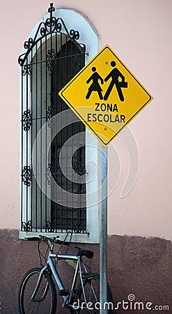 school zone sign in spanish  School zone sign in S...