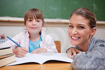 Schoolgirlwriting med henne lärare