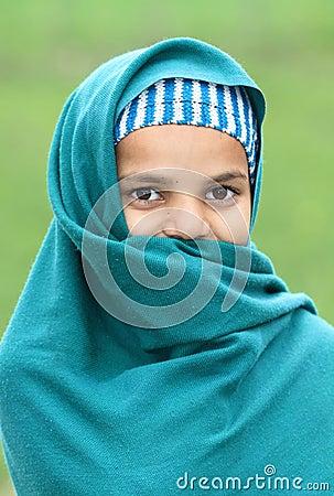 Schuw moslimmeisje