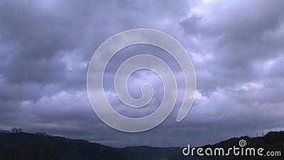 Schwarze Wolke stock video