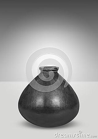 Schwarzer Vase