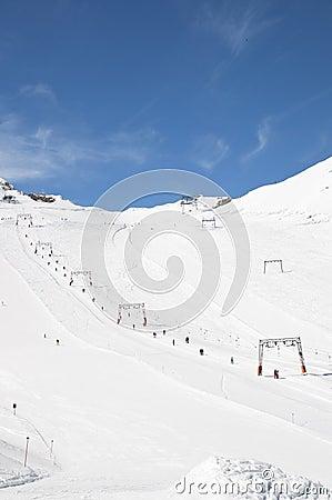 Sciando nelle alpi
