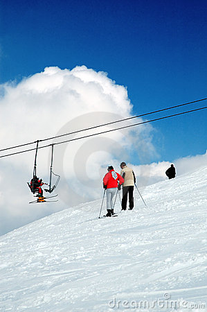 Sciatore e montagna