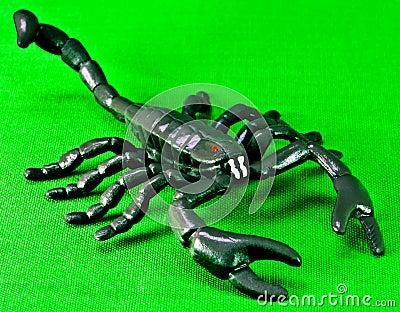 Scorpione di plastica