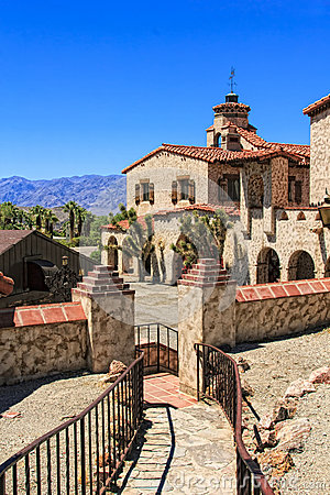 Free Scotty S Castle At Death Valley Stock Photo - 29449440