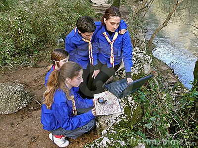 Scouts are oriented with laptop