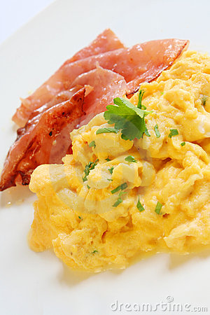 Free Scrambled Eggs And Bacon Royalty Free Stock Image - 2853486