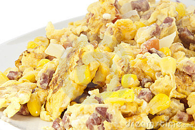 Scrambled eggs on plate (with clipping path)