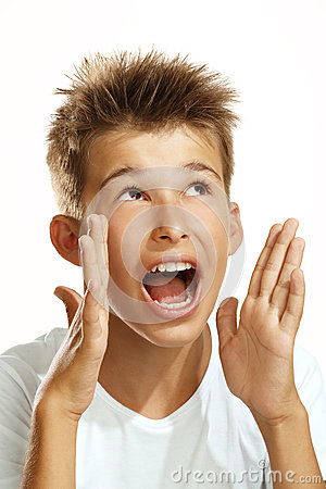Мальчик screaming
