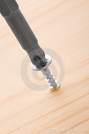 Screw-driver and screw