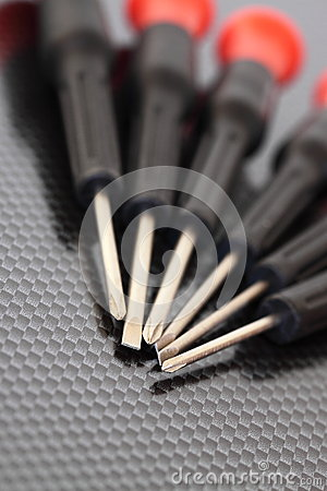 Free Screwdrivers On Carbon Background B Stock Photography - 28338442