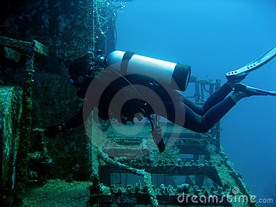 scuba diver on wreck boracay philippines