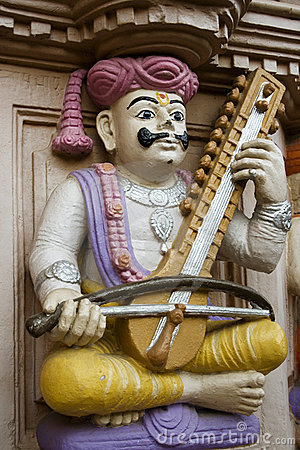 Free Sculpture Of An Indian Musician Royalty Free Stock Photography - 7636857