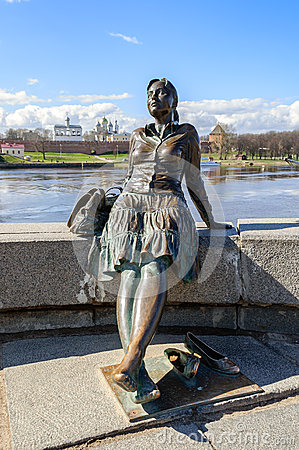 Free Sculpture Of Tired Tourist Girl (focus At The Girl) In Veliky Novgorod Stock Photography - 56790702