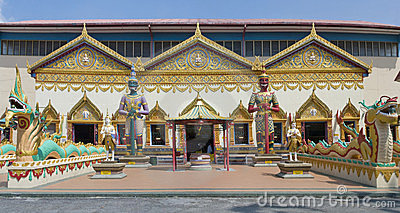 Sculpture at the Thai temple Wat Chayamangkalaram