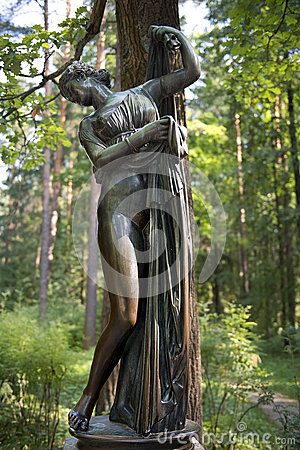 Free Sculpture Venus Callipyge,  Goddess Of Love And Beauty, Pavlovsk Park Stock Photos - 46397333