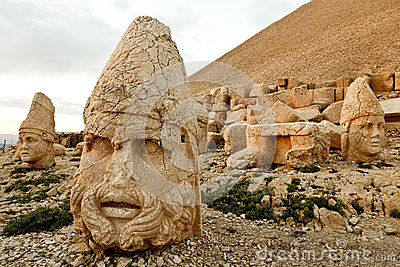 Sculptures of the Commagene Kingdom, Nemrut Mountain