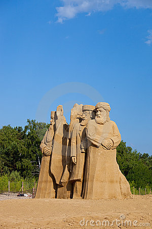 Free Sculptures Made Of Sand Royalty Free Stock Images - 14948279