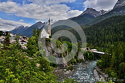 Scuol-view of the bridge and the church