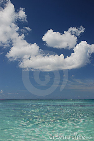 Free Sea And Bright Sky At Cayman Stock Photography - 5137802