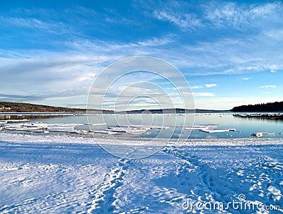 Sea becoming free of ice