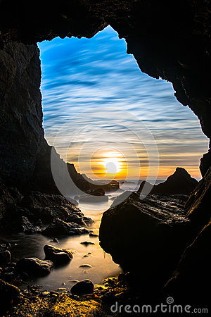 Free Sea Cave In Dana Point, California Royalty Free Stock Photography - 84514097