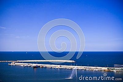 Sea horizon with dike