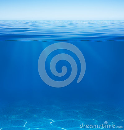 Free Sea Or Ocean Water Surface And Underwater Split By Waterline Stock Images - 34594894