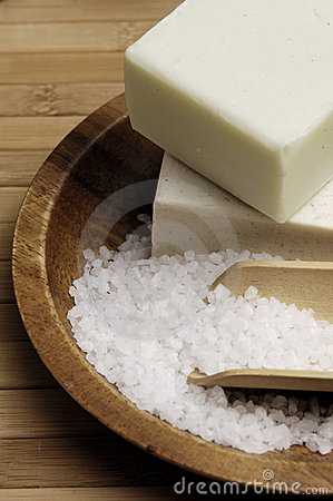 Free Sea Salt And Natural Soap Royalty Free Stock Photo - 499575