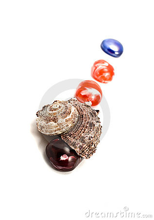 Sea shells and semiprecious stones