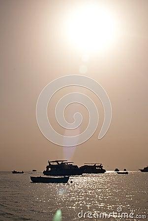 Sea sun ships