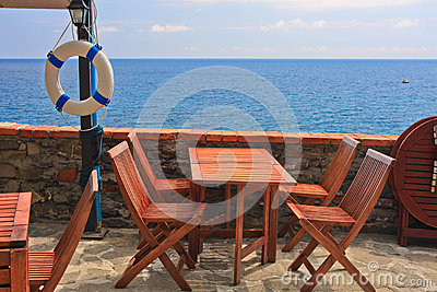 Sea view table with chairs