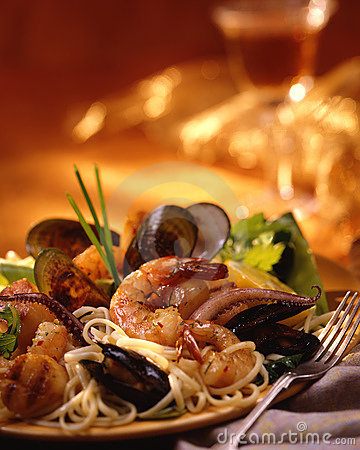 Free Seafood Pasta Royalty Free Stock Photo - 11305835