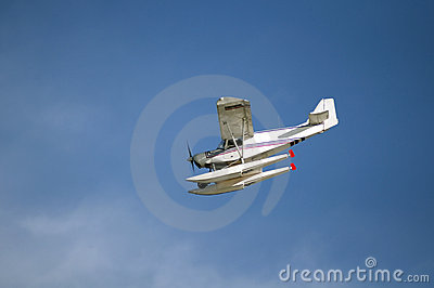 Seaplane flying