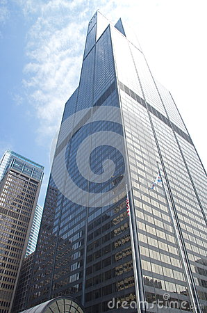 Free Sears Tower (Willis Tower) In Downtown Chicago. Blue Sky And Sun Is Shinning. Stock Photo - 66094090