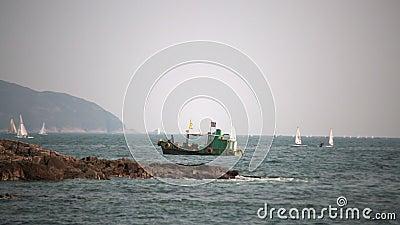 Seascape με τη μικρή βάρκα